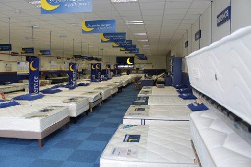 magasin literie la compagnie du lit chateau gontier az 53. Black Bedroom Furniture Sets. Home Design Ideas
